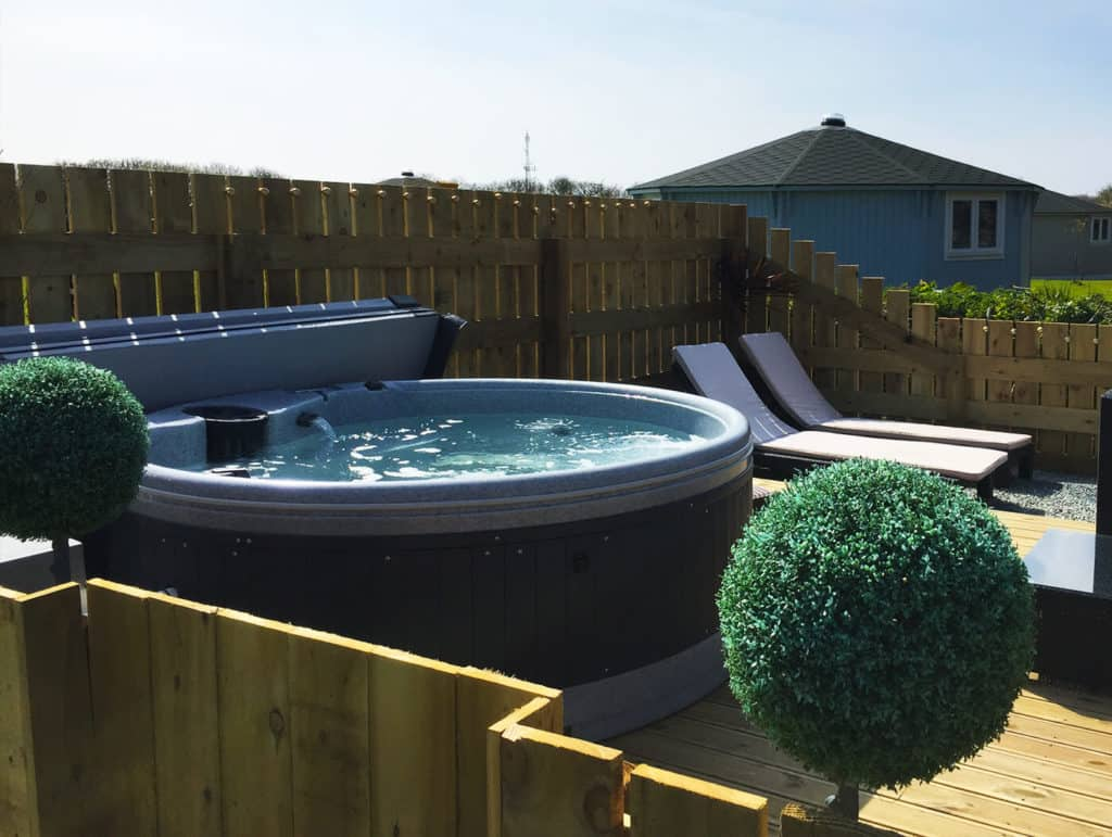 glamping cabin with hot tub hartland